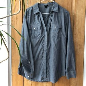 Blue-gray Ann Taylor chambray button-down, size 10